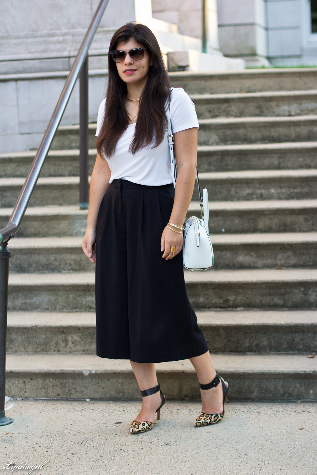 black culottles, white tee, leopard pumps, white bag.jpg