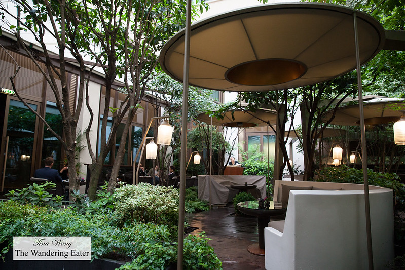 Dining outdoors at the courtyard of Mandarin Oriental