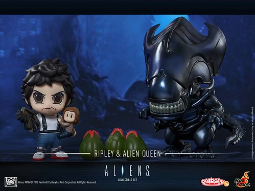 Ellen Ripley & Alien Queen Cosbaby Collectible Set 1