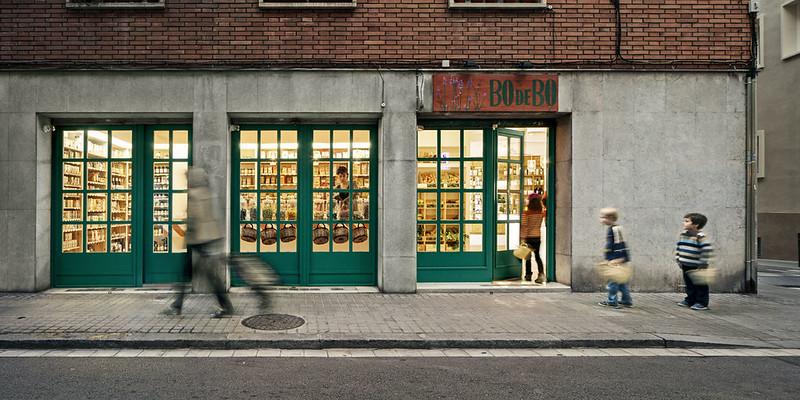Bodebo, diseño de interior para una tienda de barrio