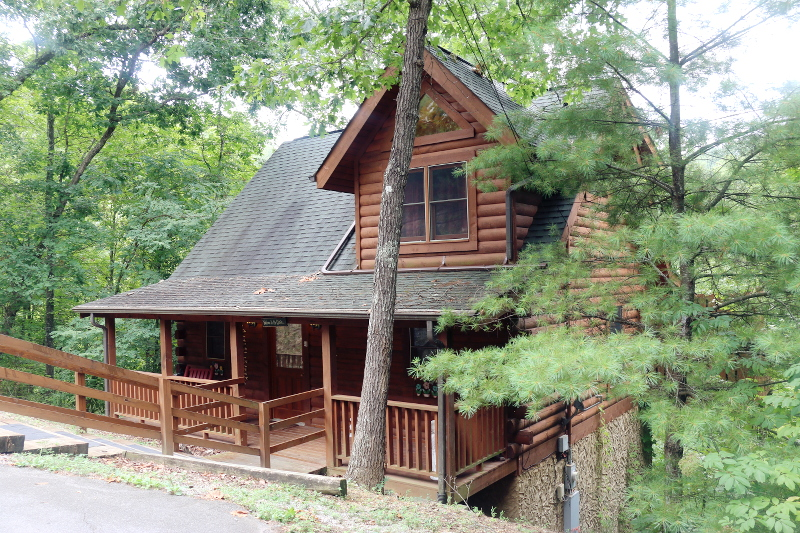 glamping-cabin-log-house-2