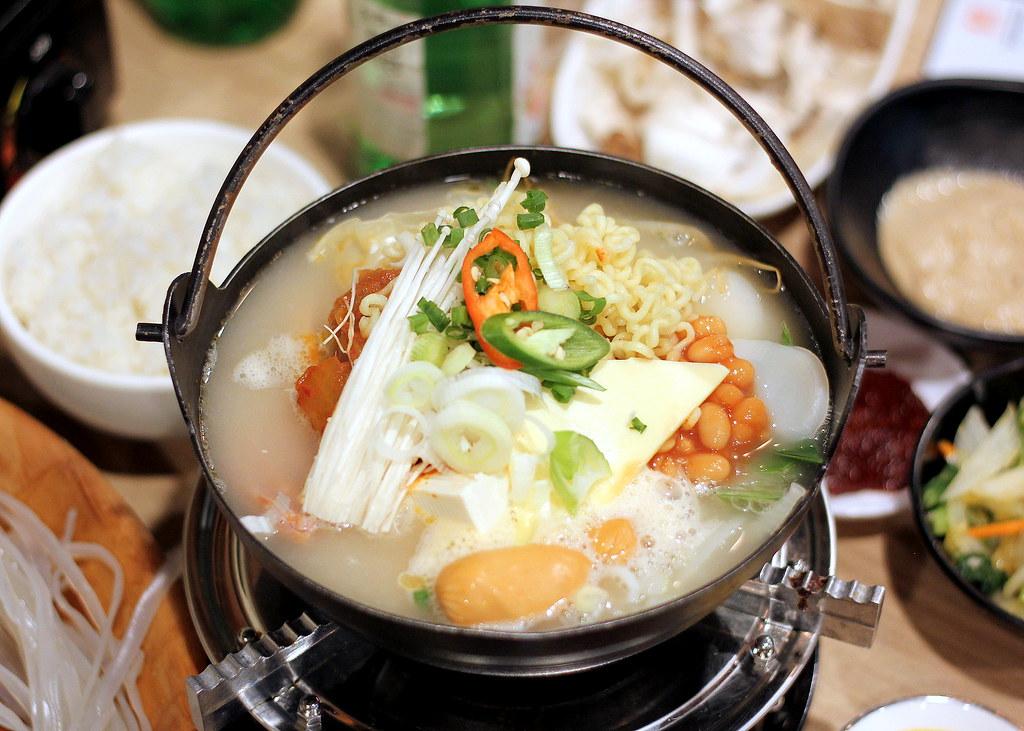 Guksu Restaurant: Budae Jjigae