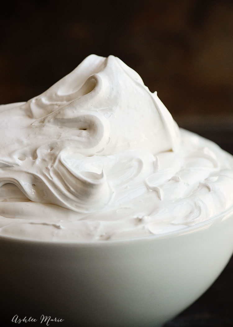 recipe and video tutorial for making your own homemade marshmallow fluff