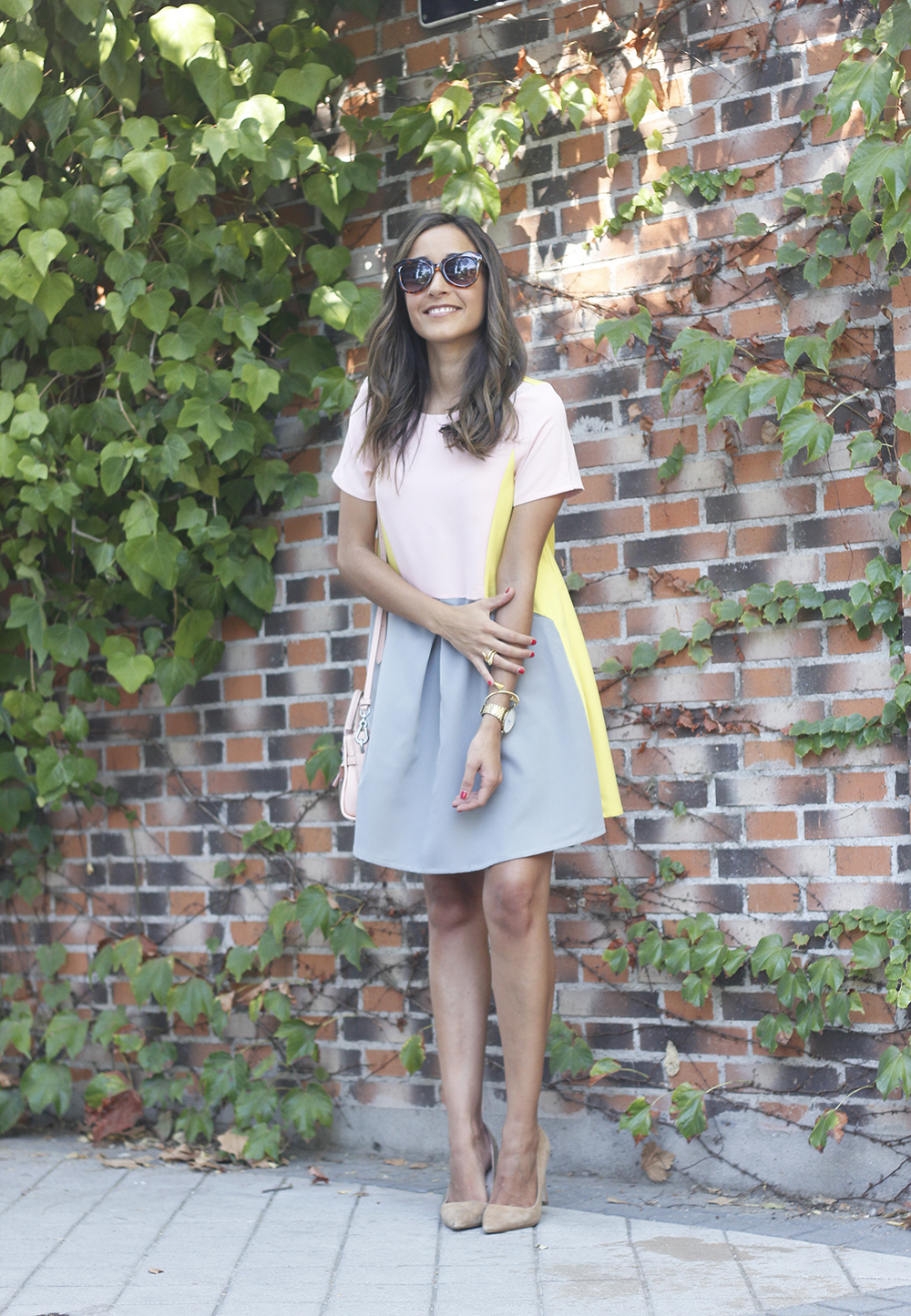 cute little pink yellow grey dress coach bag nude heels outfit style01