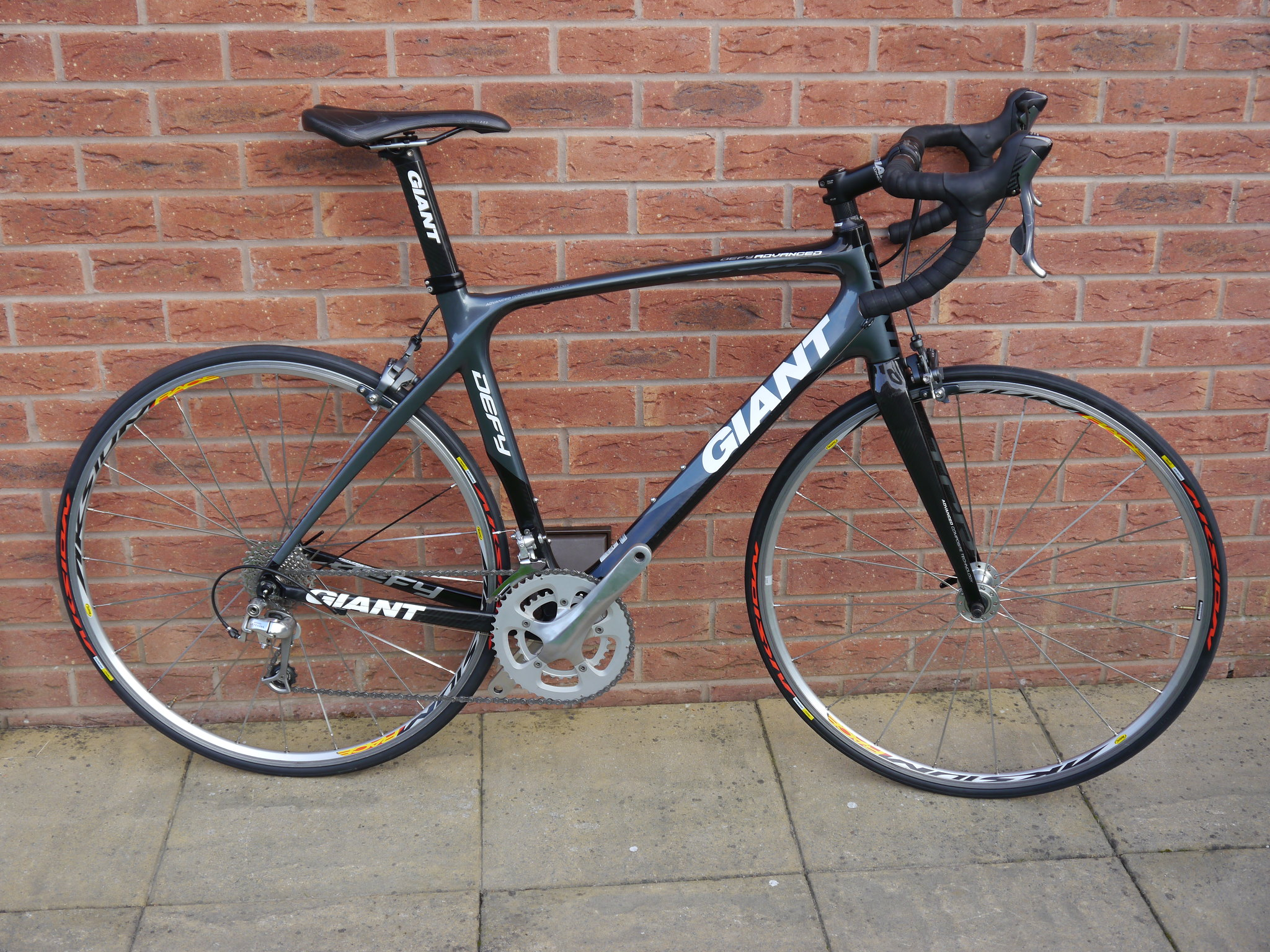 Giant Defy Advanced Carbon Road Bike M L Price Drop Singletrack 105 10 Speed Shimano Drive Train Sti Shifters Ultegra Rear Mech Tiagra Front Chain And 12 28 Cassette R500 Compact Chainset 50 34
