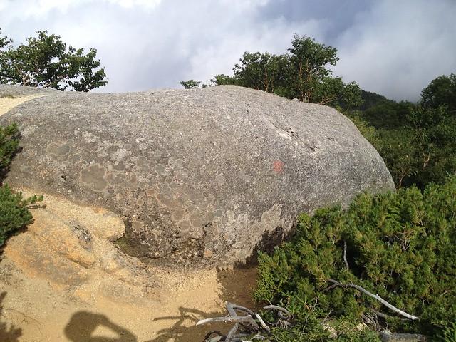 鳳凰山 中道 巨岩