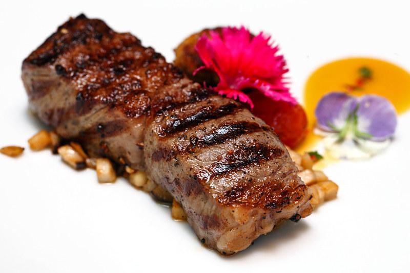 Torii Kobe Sirloin A4 Steak