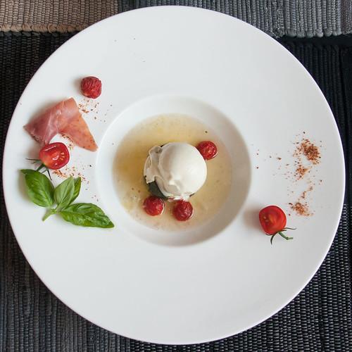 Mozzarella, Tomate, Basilikum 2016 09 11_0236
