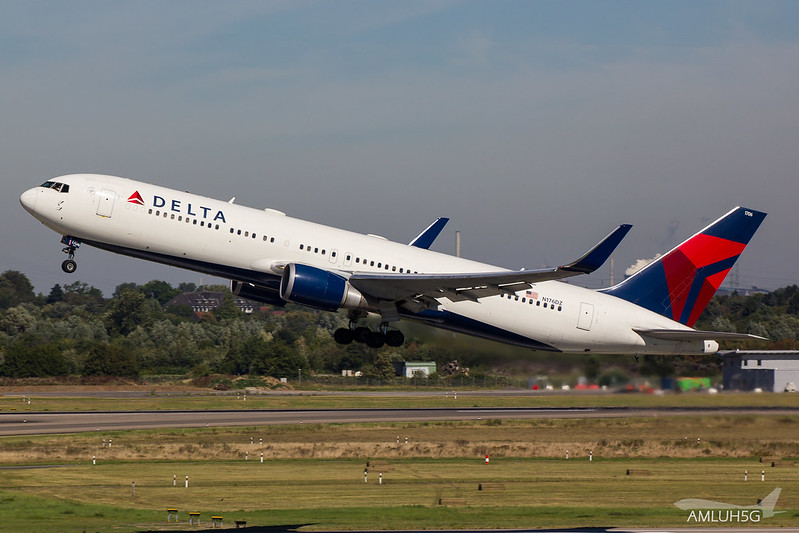 Delta Air Lines - B763 - N176DZ (2)