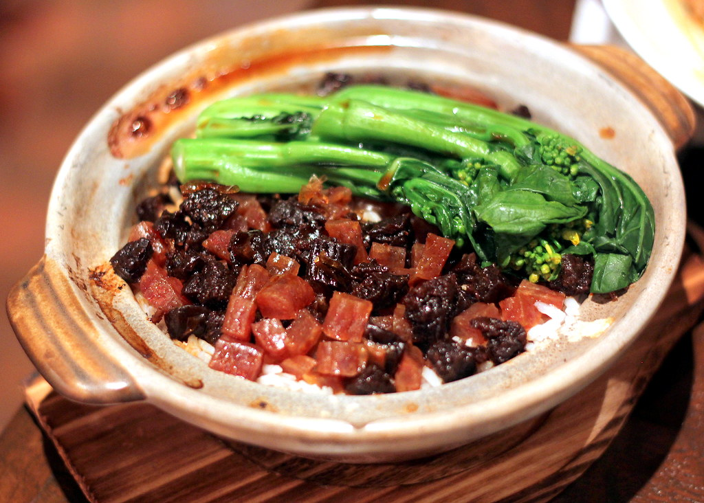 sum-yi-tai-chinese-sausages-and-preserved-meat-claypot-rice