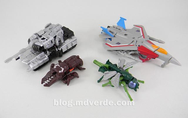 Transformers Megatron con Chop Shop & Starscream con Waspinator - Transformers Generations Takara - modo alterno