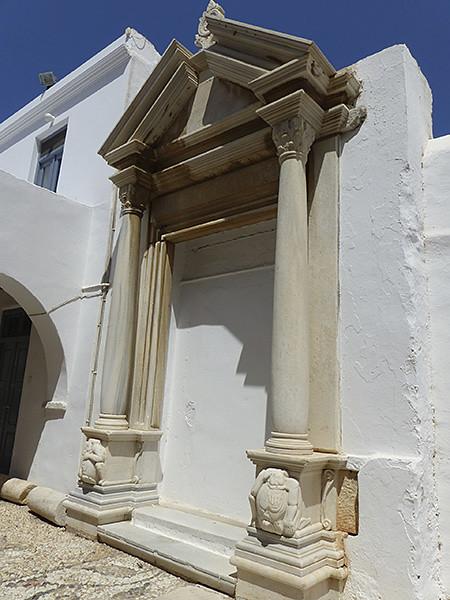 reste du temple grec à paros