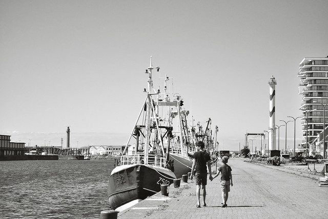 oostende_haven_I&F_bw