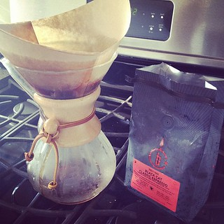After a long day of work, gotta enjoy my @intelligentsiacoffee with my #chemex. | by TusMediaNaranja