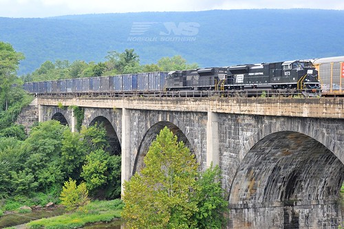 Penn Central heritage unit | by Norfolk Southern