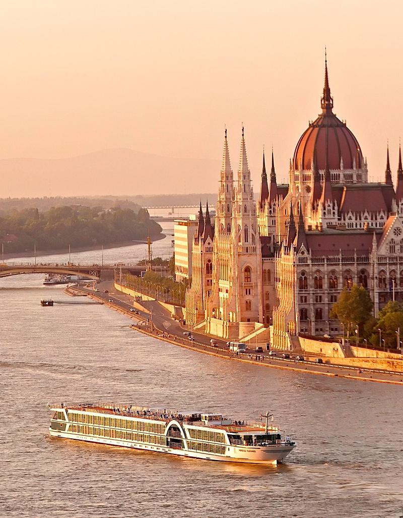 Budapest Amadeus Cruises