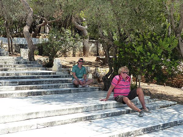 sur les escaliers de l'Odéon