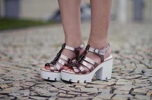 Resultado de imagem para looks com sandalias metalizadas 2017
