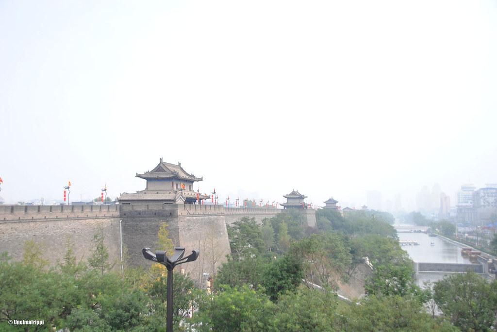 Xi'anin kaupunginmuurilla näki, kuinka ilma oli saasteista sakea
