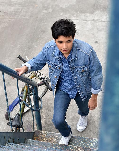 Resized Uniqlo Batik Motif Duane Bacon Mens Wear Blogger Denim Jacket Stairs