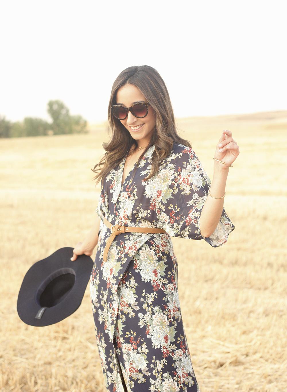 Maxi floral print dress uterqüe blue hat sunnies countryside summer outfit flat sandals massimo dutti25