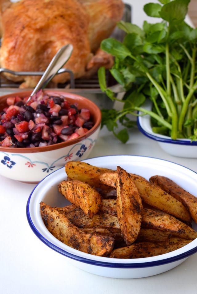 Fajita Spiced Potato Wedges | www.rachelphipps.com @rachelphipps