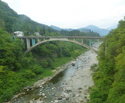 jp16-Tateyama-Toyama-cable car-train (2)