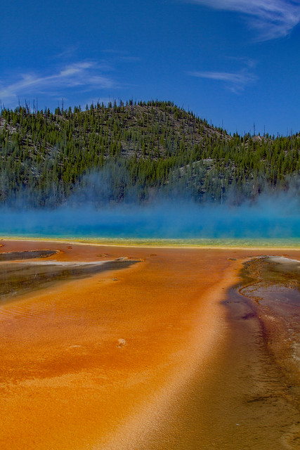 Midway Geyser Basin: Yellowstone National Park