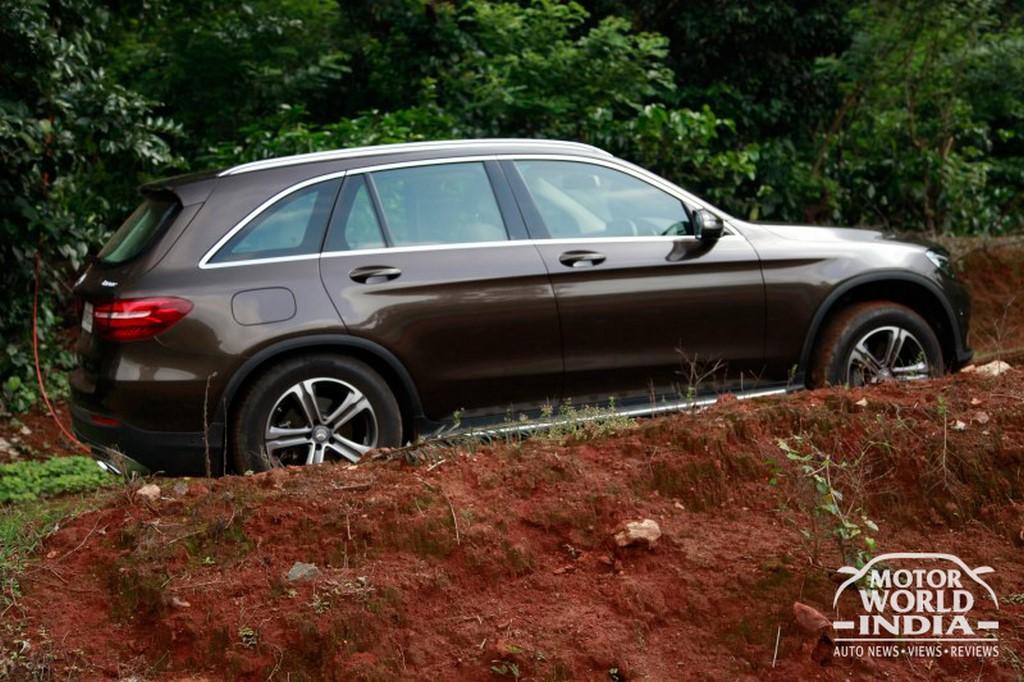 Mercedes-Benz-GLC-Side (3)