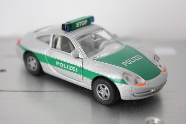 [SIKU] PORSCHE 911 CARRERA POLIZEI (PATROL CAR)