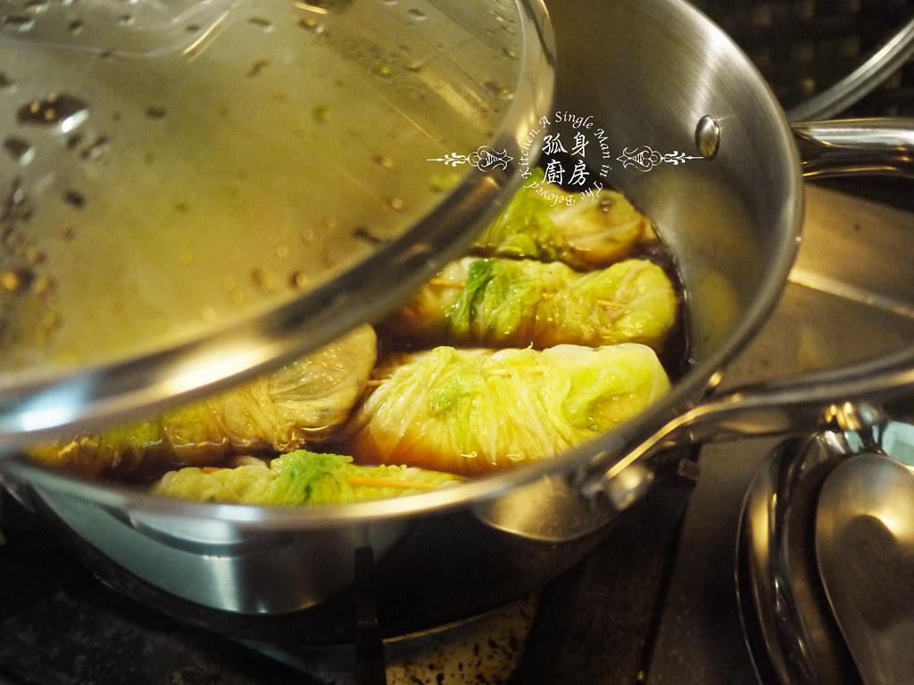 孤身廚房-大潤發義大利樂鍋史蒂娜湯鍋試用—日式白菜雞肉捲21