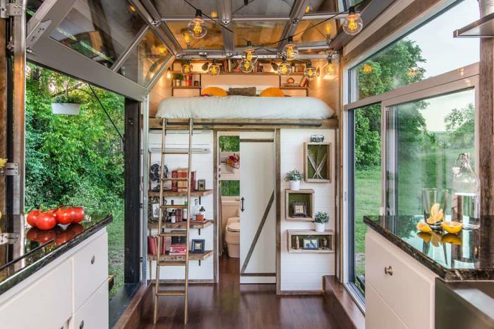 Дом на колесах Alpha Tiny House от New Frontier