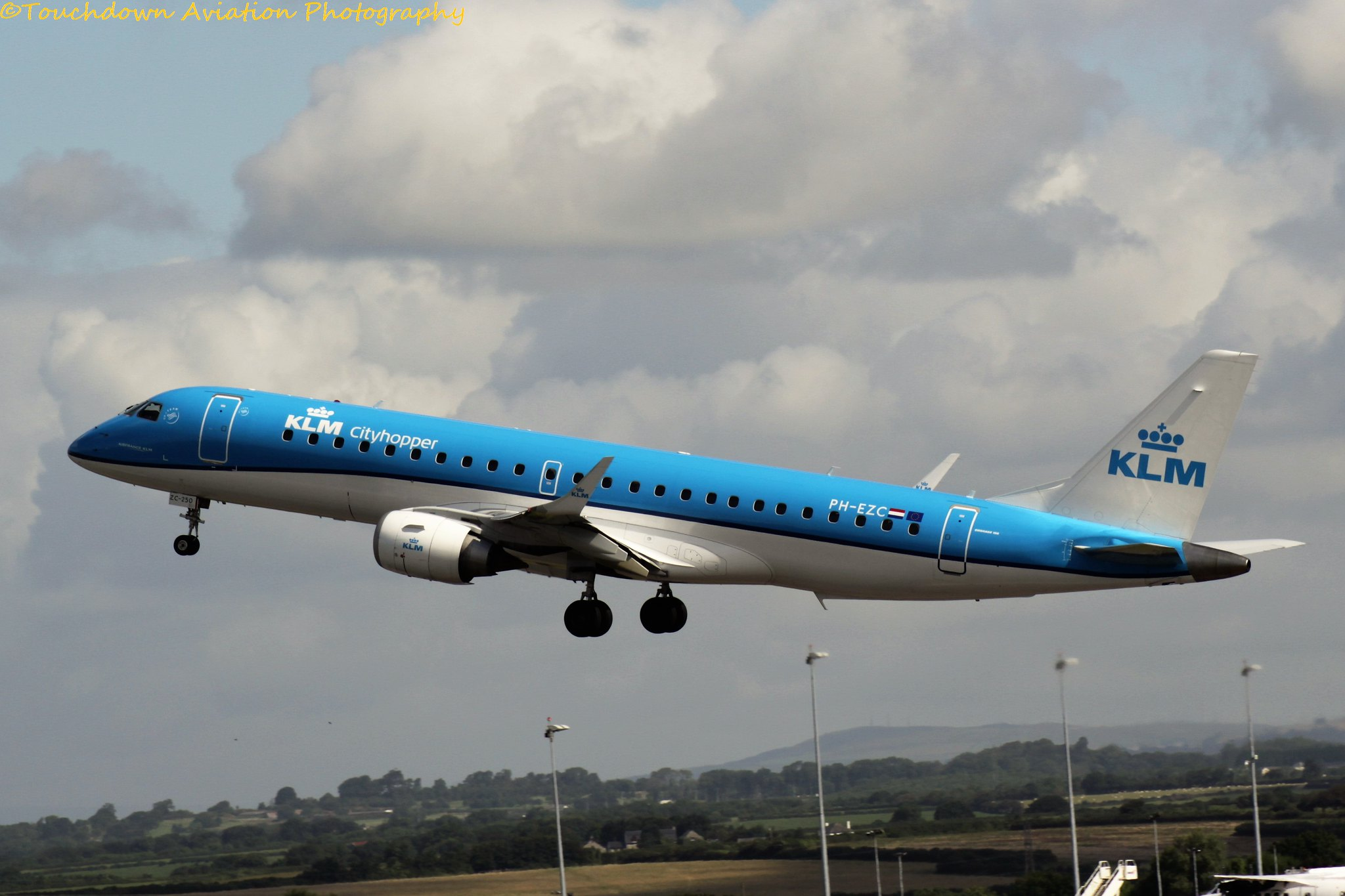 KLM Embraer E190 PH-EZC 08AUG16