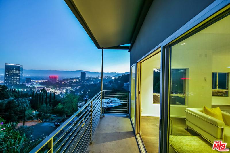 Панорама на Лос-Анджелес с балкона дома Эмбер Роуз