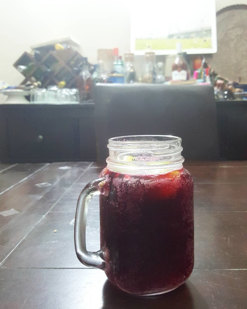 Zobo shandy In memory of #Prince & #PurpleRain Thank you for being you #Nigeriancuisine #Nigerianfood #kitchenbutterfly #Samsung #samsungnote5 #note5 #coloursofthenewnigeriankitchen #newNigeriankitchen #newNigeriancuisine #zobo #Nigeriandrinks #shandy #