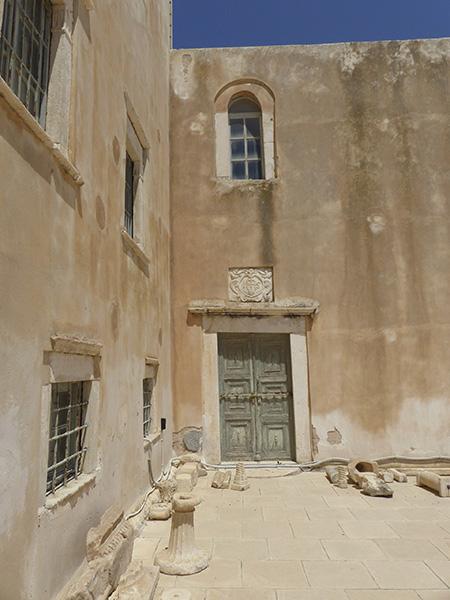cour du musée archéologique