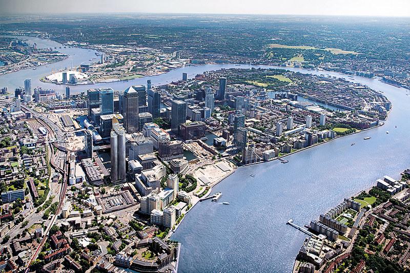 Вид на Темзу с высоты небоскреба Spire London