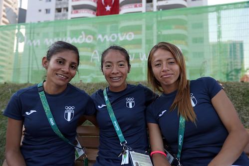 Equipo femenino de marcha antes del debut olímpico