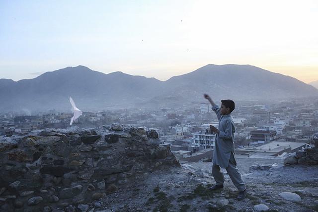 En Afghanistan, la vie continue,  la guerre aussi