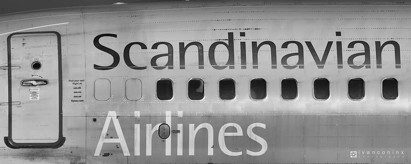 Boeing 737-883 – Scandinavian Airlines (SAS) – LN-RPR – Brussels Airport (BRU EBBR) – 2016 08 29 – Taxi – 02 – Copyright © 2016 Ivan Coninx