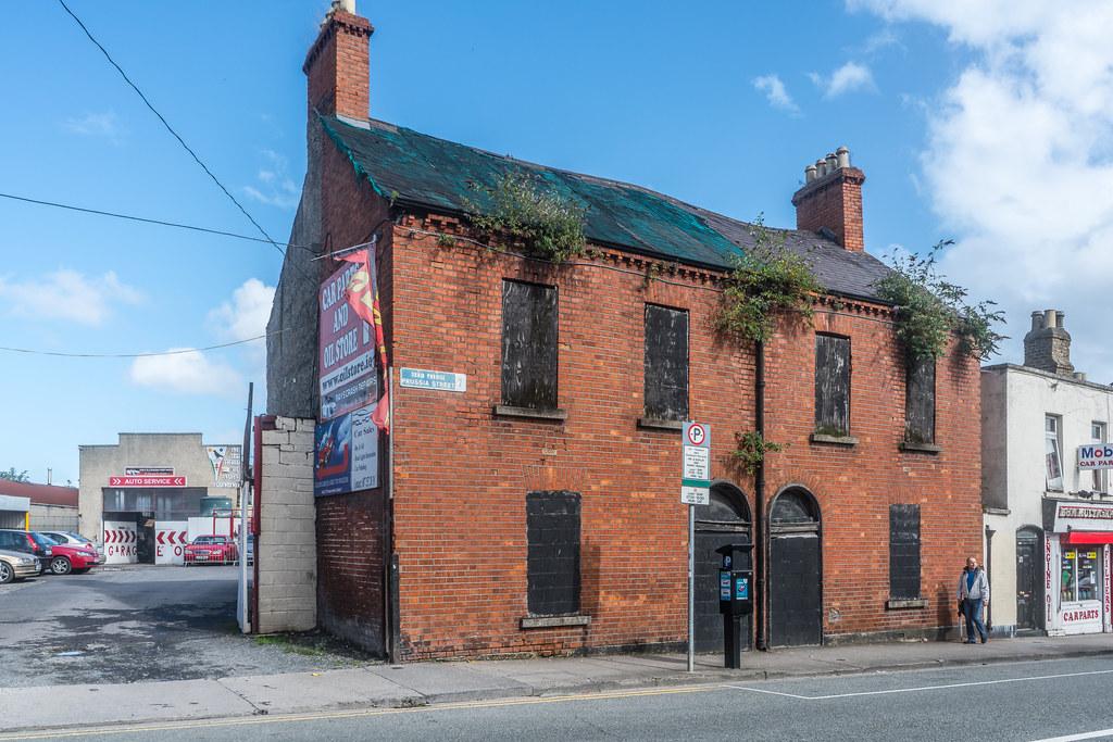 DERELICT HOUSE IN STONEYBATTER AREA OF DUBLIN [PRUSSIA STREET]-119945