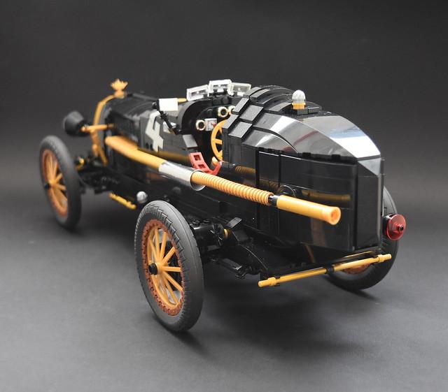 1930's caring car