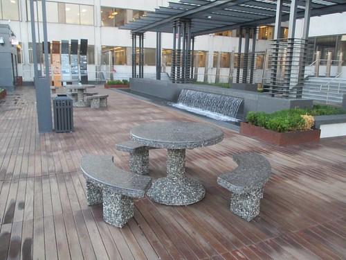 Seating #toronto #yongeeglintoncentre #yongeandeglinton #parks #rooftop #patio