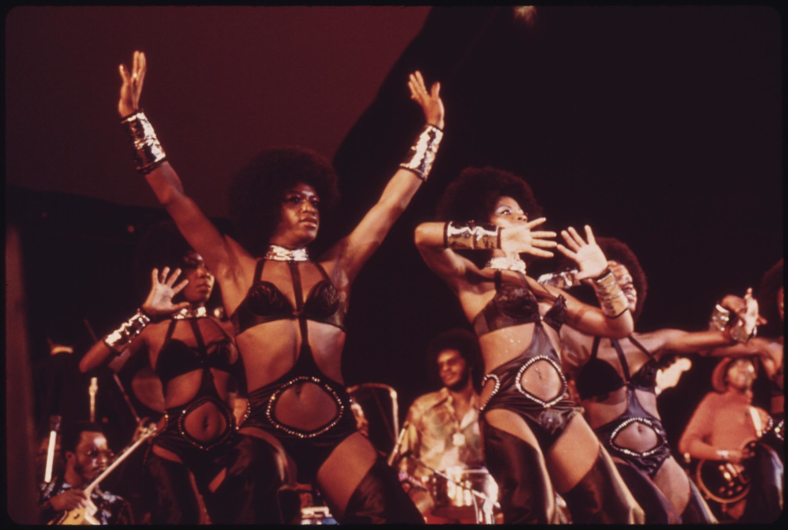 Isaac Hayes Dancers Perform At The International Amphitheater In Chicago, 10/1973 | by The U.S. National Archives