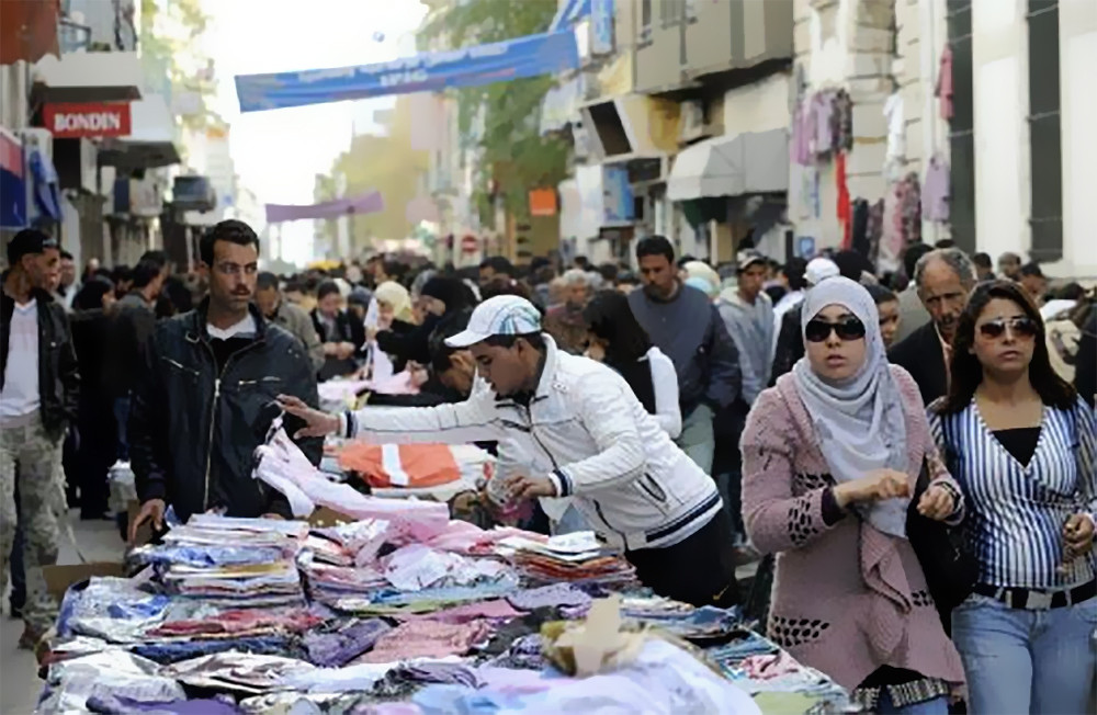 Anti Smuggling Operation Clears Central Tunis of Unlicensed Vendors