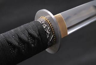 Wakizashi-Japanese-Samurai-Sword-tsuba
