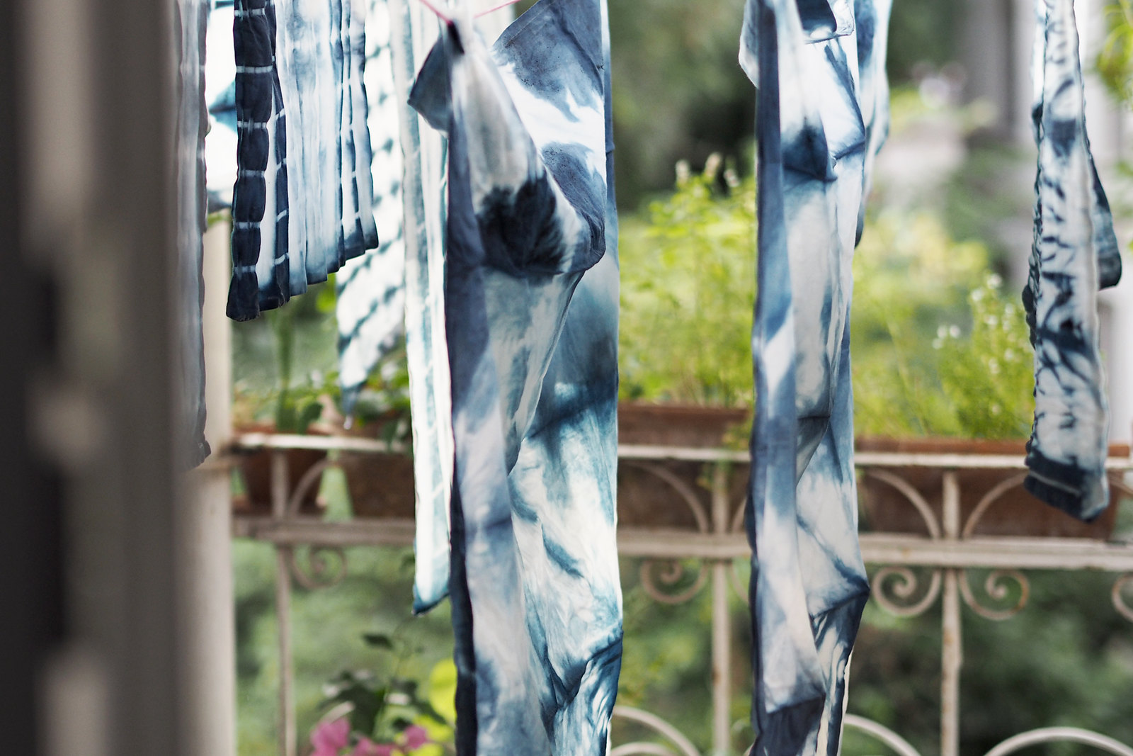 ranipink shibori workshop etsy hannover maroccan interior indigo blue dying process colouring clothes textiles diy how to lifestyle lifestyleblogger diyblogger cats & dogs fashion blog ricarda schernus 2