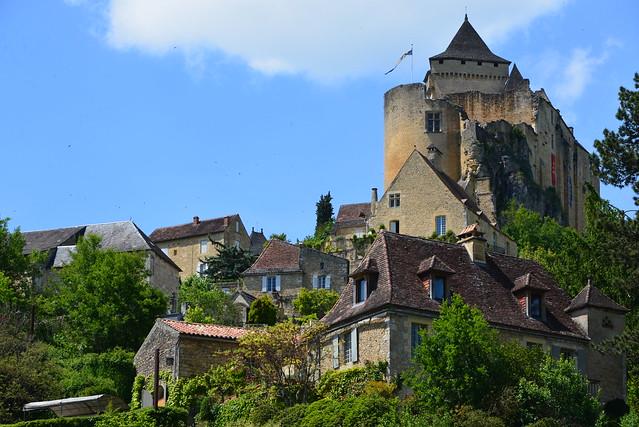 Le village de Castelnaud et son château- fort