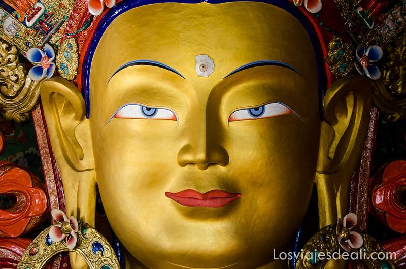 valle del Indo Buda Maitreya