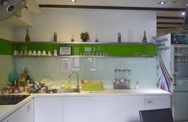 wink hostel common kitchen